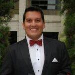 Departamento de Atención Al Migrante. Politólogo egresado de la Universidad de los Andes. Oriundo de Mérida, estado Mérida.  Venezolano.
